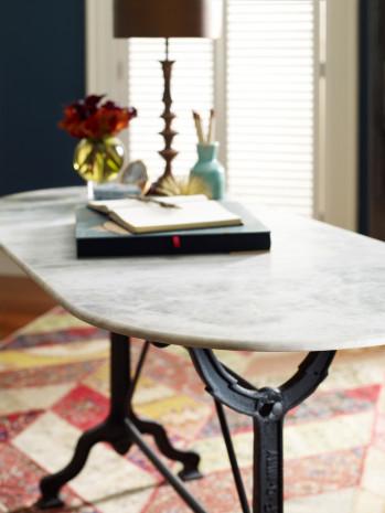 Ava Writing Table