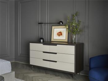 Degas Dresser